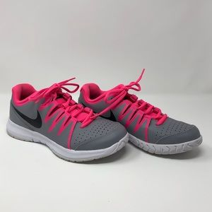 Nike gray and hot pink tennis shoes